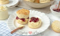 De perfecte scones Scones, Clotted Cream, What To Cook, A Food, Cheesecake, Sweets, Breakfast, Desserts, What's Cooking