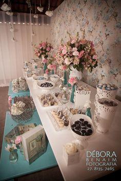 Linda de viver essa mesa de doces!!!