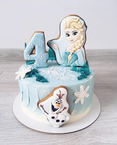 Bolo Frozen, Frozen Cake Pops, Frozen Cookies, Frozen Themed Birthday Cake, 4th Birthday Cakes, Themed Cakes, Girl Birthday, Royal Icing Cakes, Fondant Cakes