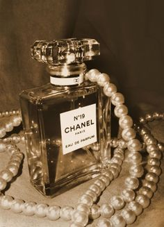 My mothers mother wore Chanel No 7 through WWII until they stopped making it. I always knew her to wear Chanel No 19 until the day she died. It's not worn as much as No 5, and I still get nostalgic when I smell one of her bottles. Chanel 19, Chanel Pearls, Coco Chanel, Mademoiselle Coco, How To Have Style, Boujee Aesthetic, Smell Good, Vintage Chanel, Girly Things