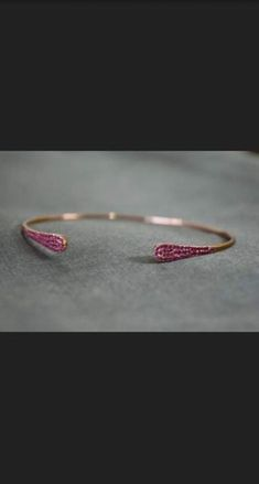 bridal jewelry for the radiant bride Indian Wedding Jewelry, Bridal Jewelry, Indian Bridal, Ruby Jewelry, Gold Jewelry, Plain Gold Bangles, Jewellery Sketches, Delicate Jewelry, Jewelry Patterns