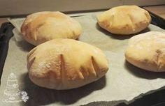 Miten onkin voinut käydä näin että en ole tehnyt pitaleipiä itse kuin nyt vasta kuukausi sitten ensimmäisen kerran? En ole kyllä niitä ... Savory Pastry, Savoury Baking, Salty Foods, Salty Snacks, No Salt Recipes, Baking Recipes, Bread Recipes, Toffee, Fun Cooking