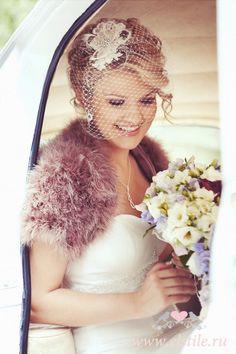 Wedding Hairstyles Vintage updo neutral make-up & face veil - Modern Vintage Updo, Vintage Veils, Vintage Hairstyles, Wedding Hairstyles, Rockabilly Looks, Rockabilly Wedding, Short Wedding Hair, Wedding Updo, Trendy Wedding