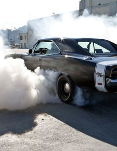 """Ghetto thunder"" Dodge Charger R/T doing a burnout"