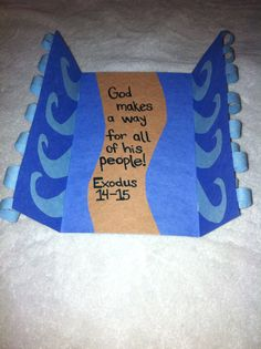Great craft idea for telling the story of Moses parting the Red Sea! Super easy, even for those who are not so gifted in the crafts department. I'd have to change a thing or two, but cool idea! Bible Story Crafts, Bible School Crafts, Bible Crafts For Kids, Preschool Bible, Bible Lessons For Kids, Bible Activities, Bible Stories, Kids Bible, Children's Bible