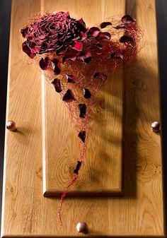 Red fragile heart - Mourning Work ~ Valentijn Sneek