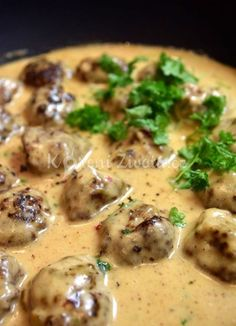 Swedish meatballs with cream sauce Slovak Recipes, Czech Recipes, Food Dishes, Side Dishes, Recipe Scrapbook, Comida Latina, Top Recipes, Food 52, Main Meals