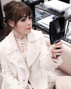 "Belle du jour! Watch how @kateleemakeup creates faux Chanel freckles on me in my stories! Wearing… . . B L U S H // @chanelofficial Powder Blush ""2 Rose Bronze"" S H A D O W // @lauramercier Eye Basics ""Flax"" E Y E  L I N E R // @chanelofficial Cream Liner ""Black"" L I P  L I N E R // @ctilburymakeup Lip Cheat ""Pillow Talk"" L I P S T I C K // @chanelofficial Rouge Allure ""140 Amour"" C O N C E A L E R // @bobbibrown Concealer ""Sand""  http://liketk.it/2qeqB #mmbeautyedit"
