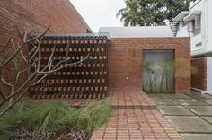 Gallery of Brick House / Architecture Paradigm - 1