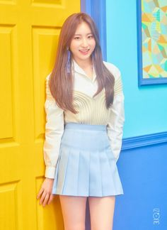 CHAEYEON - of IZ*ONE - I quite like this name as it has many permutations and potential meanings. Chaeyeon might have been in TWICE so getting into this group is second time - twice! Kpop Girl Groups, Kpop Girls, Mini Albums, Yuri, Eyes On Me, Pre Debut, Japanese Girl Group, Soyeon, First Photo