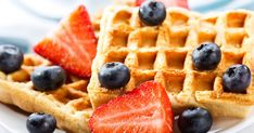 Daphne Oz's Warrior Waffles : Indulge in your favorite breakfast food—the healthy way! Quick And Easy Breakfast, Breakfast On The Go, Daphne Oz, How To Make Waffles, Gluten Free Recipes For Kids, Happy Cook, Gluten Free Waffles, Healthy Waffles, Waffle Mix