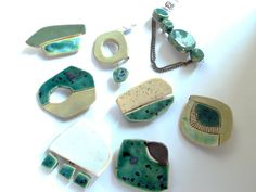 Ceramic Jewelry by Hana Karim   - brooches
