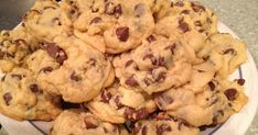 Chocolate chip cookies - a staple of everyone's diet (or at any rate, they should be).  These chocolate chip cookies come out so ridiculousl...