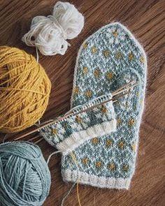Spring Mittens pattern by Amanda Sund , . Ravelry: Spring Mittens pattern by Amanda Sund , Ravelry: Spring Mittens pattern by Amanda Sund , Knitted Mittens Pattern, Knit Mittens, Knitted Gloves, Knitting Socks, Yarn Projects, Knitting Projects, Crochet Projects, Knitting Blogs, Knitting Patterns