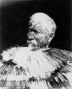 Te Hira Te Kawau dressed in a kahu tōi cloak; taken by Pulmans Photographic Studio, probably circa possibly taken by owner and photograp. Old Photos, Vintage Photos, Maori People, Home History, Federated States Of Micronesia, New Zealand Art, Aboriginal People, Maori Art, Photographic Studio