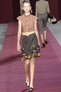 Saint Laurent Spring 2006 Ready-to-Wear Fashion Show - Anna Kuznetsova