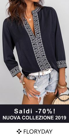 Bella in questo top unico nel suo genere. Cute Blouses, Blouses For Women, Stylish Older Women, Look Fashion, Fashion Outfits, Ukrainian Dress, Look Con Short, Casual Dresses, Casual Outfits