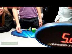 Recorde Mundial: Cubo mágico em 5 segundos!