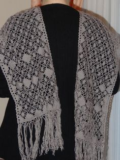 Shawl of pure wool, worked with 67pares bobbin. Bobbin lace. Marcela Susana Toledo Nespral