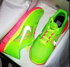 Pink and green nikes #cheap #nike #free