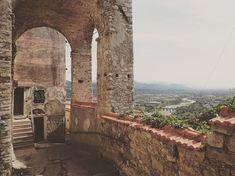 "Elena sanoo Instagramissa: ""Vezzano Ligure, ( La Spezia) #vezzano #ig_laspezia #liguria #italy #travel #borghitalia #borghipiubelliditalia #yallersborghi…"" Brooklyn Bridge, Places, Travel, Instagram, Viajes, Destinations, Traveling, Trips, Lugares"