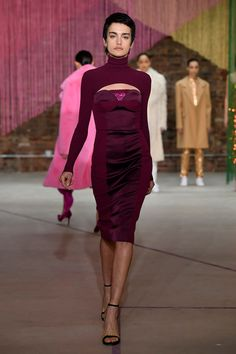 Milly Fall 2018 Ready-to-Wear collection, runway looks, beauty, models, and reviews.