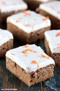 Sugar Free Carrot Cake - My PCOS Kitchen - Slices of keto carrot cake with cream cheese frosting. Cream Cheeses, Keto Desserts Cream Cheese, Dessert Ricotta, Dessert Bars, Dessert Mousse, Keto Dessert Easy, Dessert Recipes, Cake Bars, Sugar Free Carrot Cake