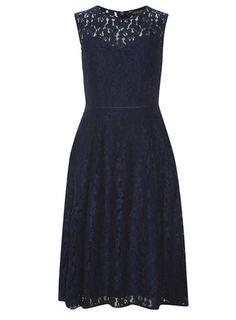 Robe mi-longue bleu marine en dentelle