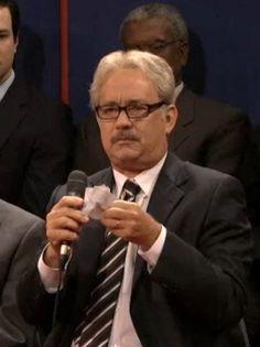 'SNL': Tom Hanks Crashes Obama-Romney Debate (Video)