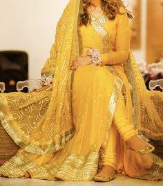 Pakistani Mehndi Dress, Bridal Mehndi Dresses, Pakistani Formal Dresses, Pakistani Wedding Outfits, Bridal Dress Design, Pakistani Wedding Dresses, Pakistani Dress Design, Bridal Outfits, Bridal Lehenga