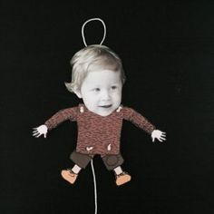 DIY: Last minute DIY present for the kids! Diy For Kids, Cool Kids, Crafts For Kids, Christmas Elf, Christmas And New Year, Paper Puppets, Diy Presents, Diy Wedding Decorations, Creative Photos