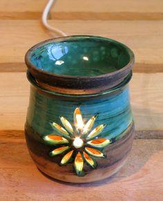 Ceramic Oil Burner, Ceramic Clay, Ceramic Pottery, Pottery Art, Ceramic Oil Diffuser, The Potter's Hand, Diffuser Diy, Pottery Lessons, Clay Bowl