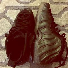 Nike pinegreen foamposite RARE Nike pinegreen foamposite! Size 6 in men's. Good condition.. No scuffs, creasing or tears. Soles are also in good condition! Nike Shoes Sneakers