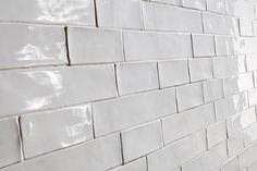 Argila White Better Than Vintage handmade-look subway tile detail