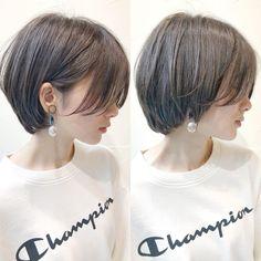 """좋아요 1,119개, 댓글 0개 - Instagram의 ショートヘア/ショートボブ//浦寛大(@urakanta)님: """"大人気の【グレージュショートボブ】🌿 襟足はスッキリ、乾かすだけでおさまる扱いやすいショートボブ✂︎🌈 . こんにちは! 【NEUTRAL DOOR】スタイリストの浦です!!…"""" Girl Short Hair, Short Hair Cuts, Pretty Hairstyles, Bob Hairstyles, Shory Hair, Pelo Guay, Korean Short Hair, Japanese Short Hairstyle, Shot Hair Styles"""