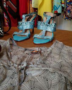 Combine camisas geladinhas com sandálias de cores fortes e solte sua personalidade! Essa combinação incrível traz leveza e jovialidade ao look!  buff.ly/2fMFVLc  #descontos #imperdivel #modafesta #festa #musseline #casamento #convidada #madrinha #formatura #formanda #lojaonline #loja #campinas http://ift.tt/29Ss7Qh #moda #campinas #grife #modabrasileira