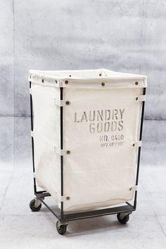 Tvättkorg på rullvagn - Dekorativa Ting - Vackra Ting