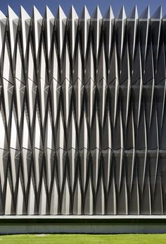 JA+U : Biomedical Research Centre by Vaíllo + Irigaray Architects © Pedro Pegenaute