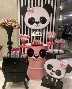 Fofura esta festa com a temática Panda!❤ Vi no: @bloggerkids Por: @decorecomcrys #Festainfantil #FestaPanda #Panda #FestaMenina