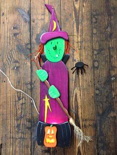 Wood Witch Porch Pal Primitive Wood Folk Art Character. Has light up cauldron and pumpkin.