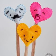 """Mom or teacher can giggle every time they need to write a note with these silly hearts! Search """"FELT HEART PENCIL TOPPERS"""" on our blog to find the directions. Thanks @MollyMoo_ie for sharing this craft with us.  #Kidsactivitiesblog #kbn #kbnmoms #Diy #homemade #Crafty #craftymom #craftymomma #craftymommy  #artsandcrafts #handmade #mothersday #mothersdaygift #mothersdaygift #kidcrafts #crafts #crafttime #craftsforkids #creativekids #artsandcrafts #teachergift"""