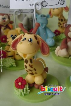 Porcelain Stories From China To Europe Polymer Clay Figures, Polymer Clay Animals, Fimo Clay, Polymer Clay Projects, Polymer Clay Creations, Ceramic Clay, Clay Crafts, 2 Baby, Safari Cakes