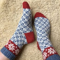 Ravelry: Vårvinter Socks pattern by Runningyarn