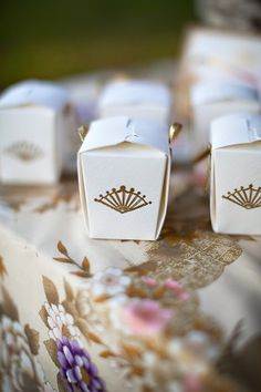 Japanese/Asian mini take-out container style favor boxes.