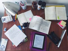 "alex-is-on-a-mission: ""2:15. My beloved desk. I love that I have tons of space…"