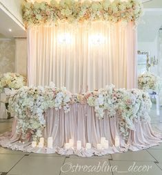 Ideas for wedding table backdrop pink Head Table Decor, Decoration Table, Reception Decorations, Event Decor, Wedding Arrangements, Wedding Centerpieces, Wedding Stage, Dream Wedding, Bride Groom Table