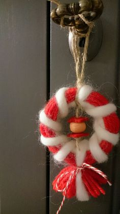 Christmas Diy, Christmas Wreaths, Christmas Decorations, Christmas Ornaments, Holiday Decor, Baba Marta, Yarn Dolls, Celebration Quotes, Wire Crochet