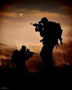 Royal Marines from 43 Commando Fleet Protection Group are silhouetted during a training exercise near Glen Fruin, Argyll and Bute, Scotland. Military Army, Military Life, Airsoft, Indian Army Wallpapers, Ghost Soldiers, Soldier Silhouette, Military Special Forces, British Armed Forces, My Champion