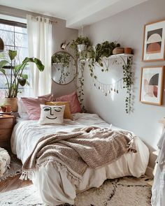 Schlafzimmer - Vintage Bohemian Home Room Ideas Bedroom, Home Bedroom, Bedroom Inspo, Bedrooms, Bedroom Apartment, Ikea Boho Bedroom, Bohemian Bedroom Design, Bedroom Furniture, Cute Room Decor