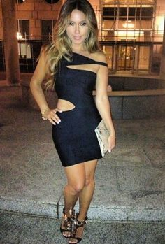 This black dress is so sexy with Simple Outfits, Classy Outfits, Cute Outfits, Party Outfits, Pretty Dresses, Sexy Dresses, Fitted Dresses, Dance Dresses, Party Fashion